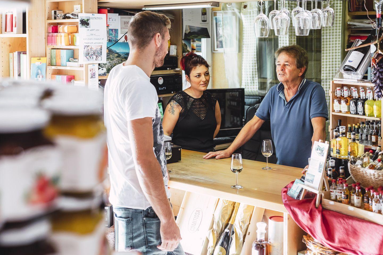Unabhängig und fair: das Traminer Weinhaus von Kristina und Alfons