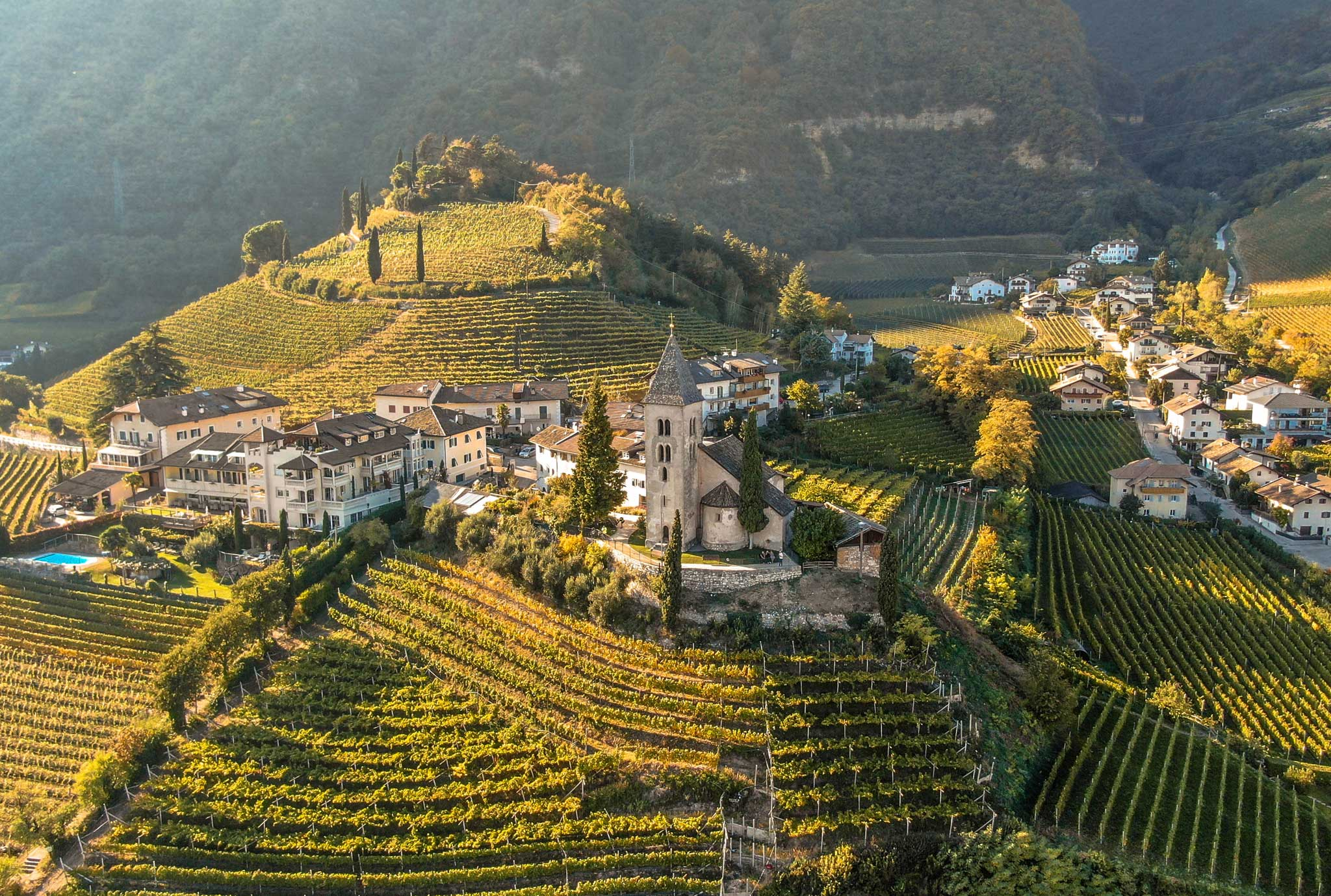 Ein Tag in unserem schönen Weindorf Tramin